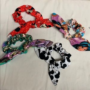 Set of 4 knot bow Scrunchies